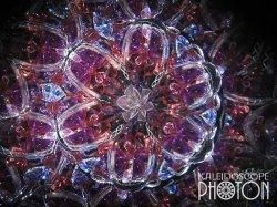 画像2:  『誕生石の万華鏡』 オイル万華鏡   1月 ガーネット